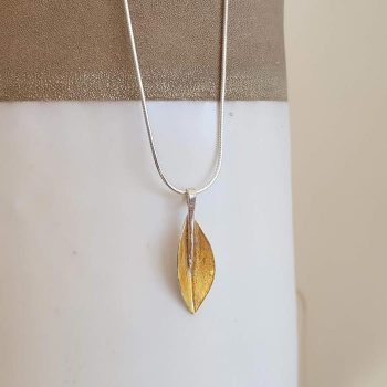Silver Leaf Design Necklace
