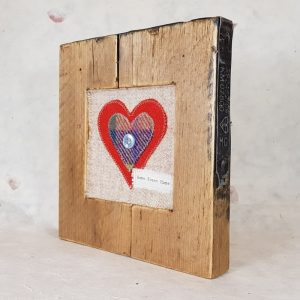RUSTIC WOODEN FRAME WITH HARRIS TWEED APPLIQUE,DETAIL 2