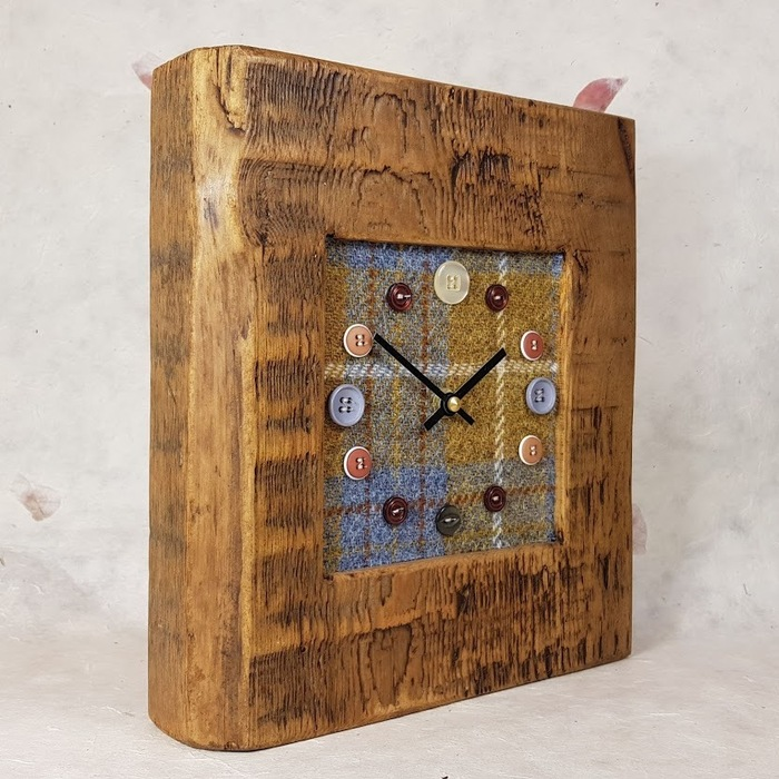 RUSTIC WOODEN CLOCK WITH HARRIS TWEED FACE (Mantle Clock)detail 2
