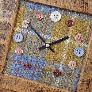 RUSTIC WOODEN CLOCK WITH HARRIS TWEED FACE (Mantle Clock)detail