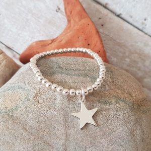 SILVER BEAD AND STAR BRACELET