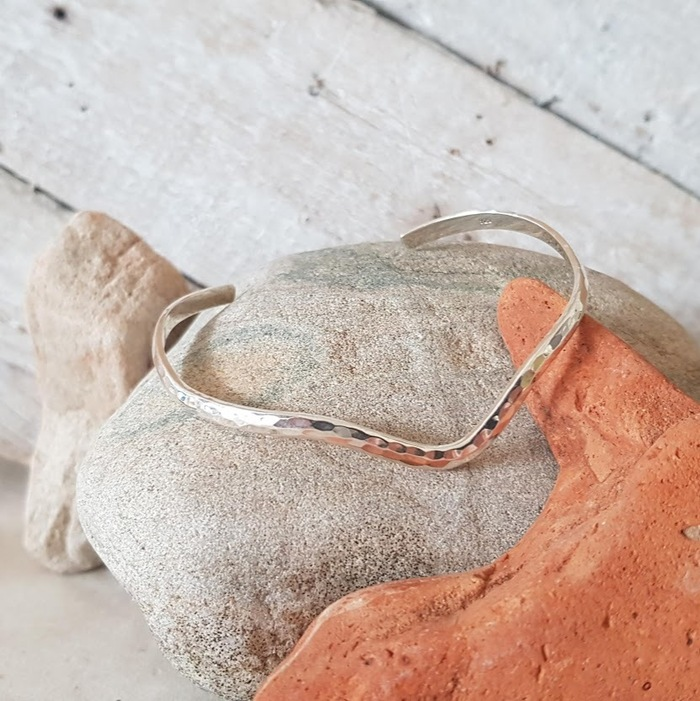 SILVER WISHBONE BANGLE