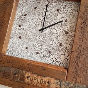 LARGE RUSTIC WOODEN WALL CLOCK DETAIL