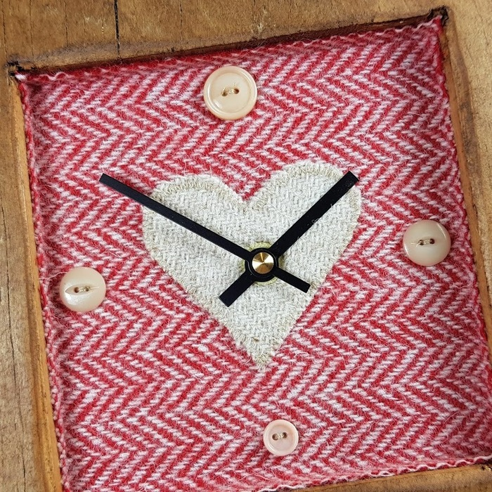 RUSTIC WOODEN CLOCK WITH HARRIS TWEED FACE , 3