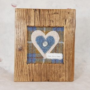RUSTIC WOODEN FRAME WITH HARRIS TWEED APPLIQUE (Home Sweet Home)