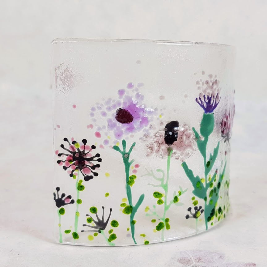 WILD FLOWER AND THISTLE FUSED GLASS CURVE DETAIL