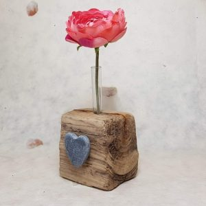 DRIFTWOOD SINGLE BUD VASE DETAIL