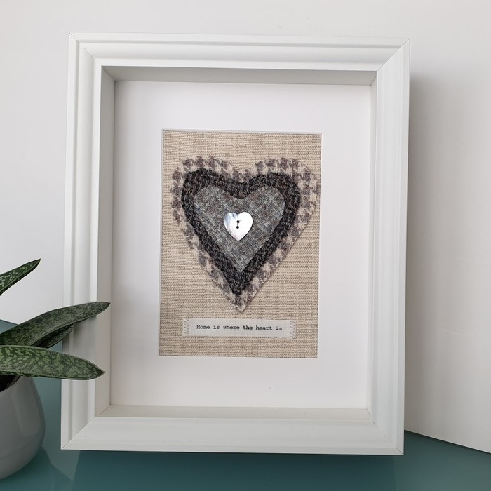 HARRIS TWEED HEART PICTURE…HOME IS WHERE THE HEART IS GREY HOUNDSTOOTH DES 1