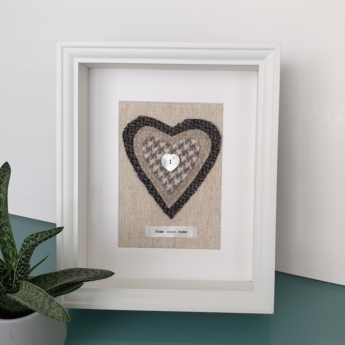 HARRIS TWEED HEART PICTURE…HOME SWEET HOME CHARCOAL DES 2
