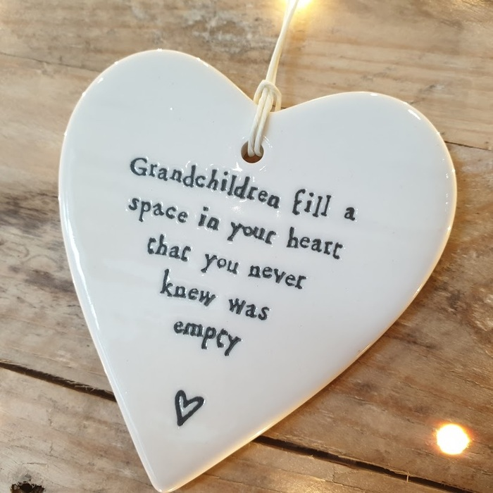 PORCELAIN HANGING HEART GRANDCHILDREN DETAIL
