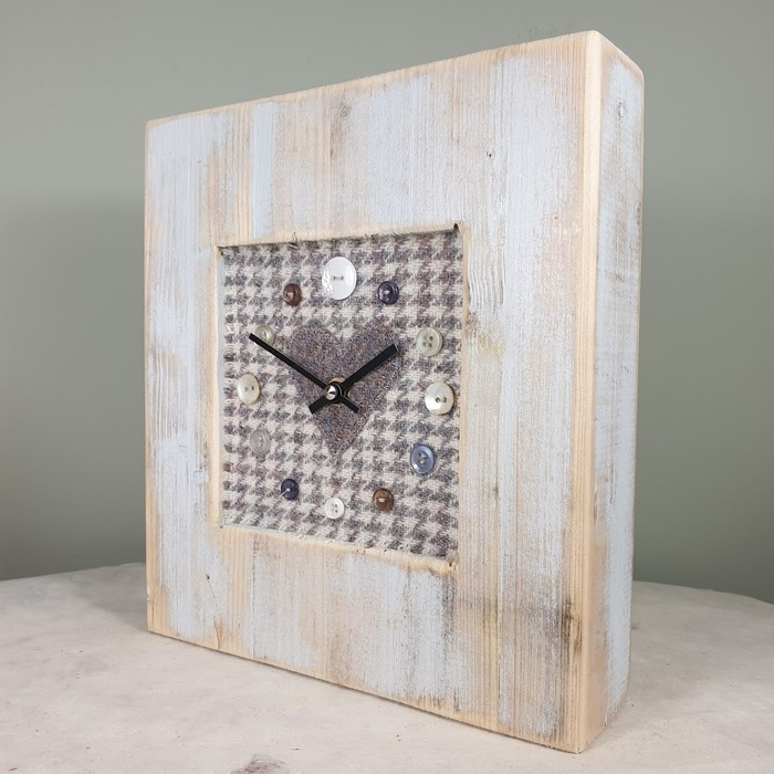 RUSTIC WOODEN CLOCK WITH HARRIS TWEED FACE DETAIL GREYHOUNDH