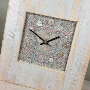 RUSTIC WOODEN CLOCK WITH HARRIS TWEED FACE DETAIL2 NATCHECKH