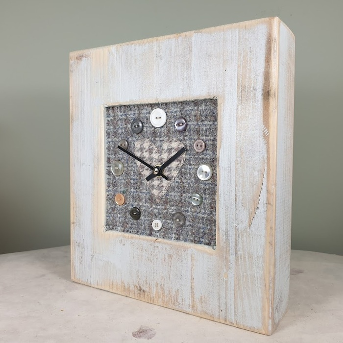 RUSTIC WOODEN CLOCK WITH HARRIS TWEED FACE DETAILBLUECHECKH