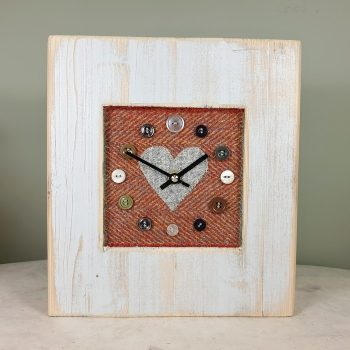 RUSTIC WOODEN CLOCK WITH HARRIS TWEED FACE RUSTHERRGREYH