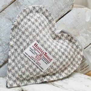 HARRIS TWEED LAVENDER HEART