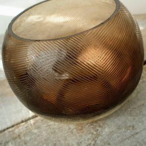 ROUND GLASS TEA LIGHT HOLDER DETAIL