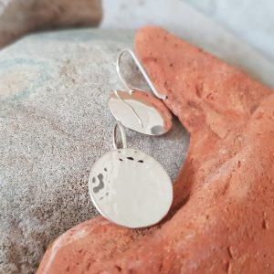 SILVER EARRINGS CONCAVE CIRCLE DETAIL
