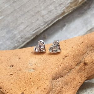SILVER STUDS HAMMERED HEART