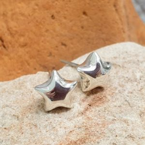SILVER STUDS TINY PUFFY STAR DETAIL