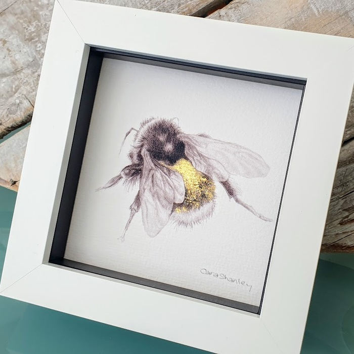BUMBLE BEE SKETCH WITH GILGING DETAIL