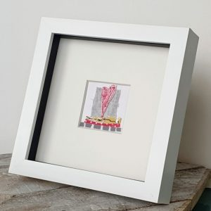 SMALL EMBROIDERED HEART PICTURE