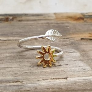 ADJUSTABLE STERLING SILVER LEAF AND DAISY RING