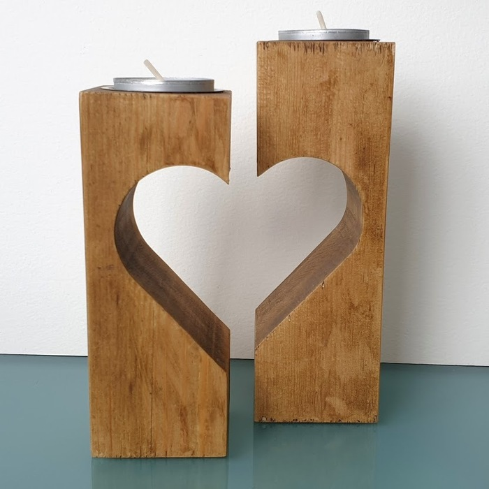 SET OF TWO CUT OUT HEART TEA LIGHT HOLDERS DETAIL 2