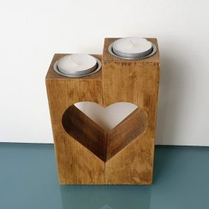 SET OF TWO CUT OUT HEART TEA LIGHT HOLDERS DETAIL