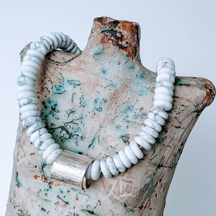 SILVER AND HOWLITE BUTTON NECKLACE